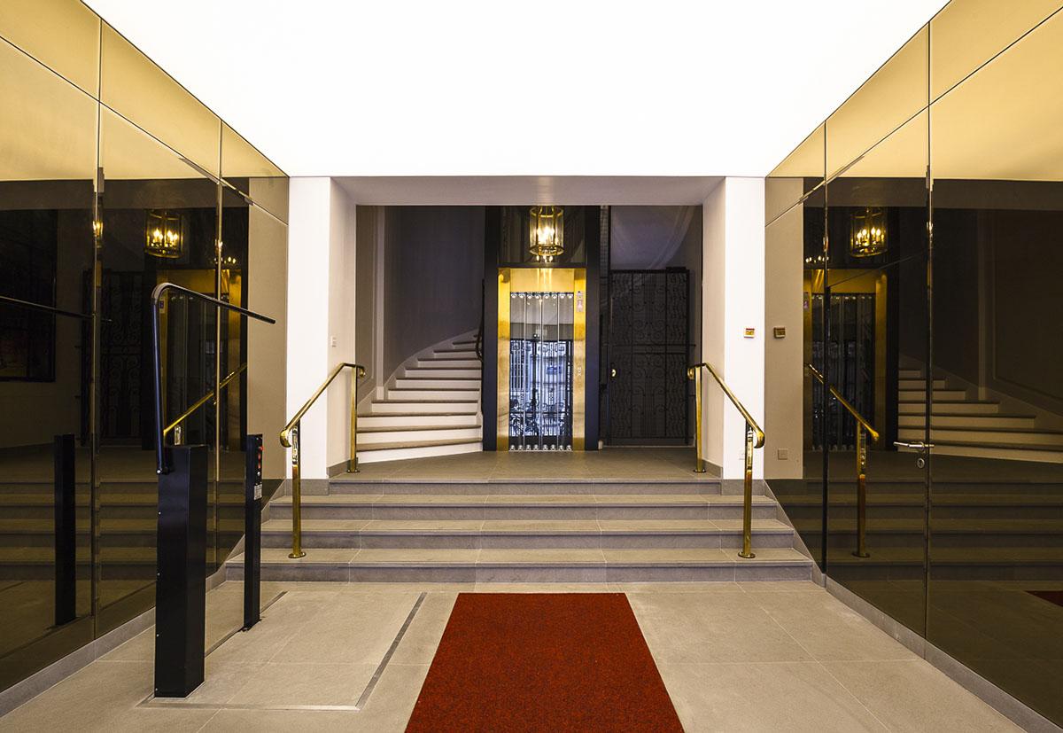 r novation du hall et de la cage d 39 escalier d 39 un immeuble de bureaux haussmanniens paris 9 me. Black Bedroom Furniture Sets. Home Design Ideas